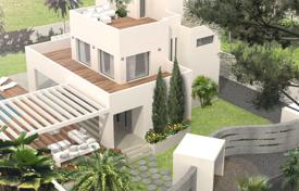 Magnificent villa 400 meters away from the sea in Marbella, Andalusia, Spain for 1,175,000 €