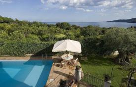 Villas and houses by the sea for rent with swimming pools in Sicily. Villa – Acireale, Sicily, Italy