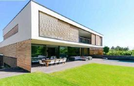 Exclusive villa with terraces, a garage and picturesque views, in the quiet 19th district, Vienna, Austria for 5,490,000 €