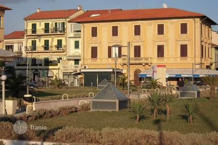 3 bedroom apartments for sale in Camaiore. Apartment – Camaiore, Tuscany, Italy