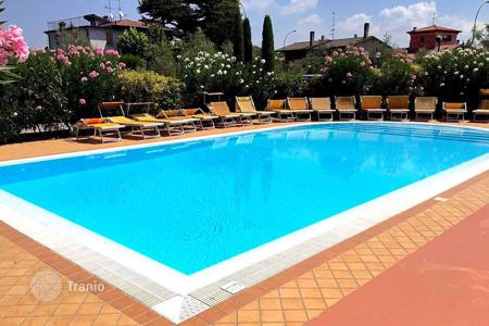 Apartments with pools for sale in Lake Garda. Apartment – Desenzano del Garda, Lombardy, Italy