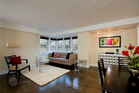Property for sale in USA. Comfortable apartment with stunning city view in Murray Hill, New York