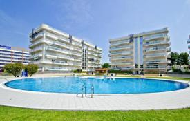 Apartments with pools for sale in Catalonia. Beautiful apartment in the heart of Salou near the beach