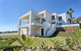 Coastal houses for sale in Costa del Sol. New Modern Luxury Villa in El Paraiso Alto, Benahavis