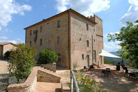 Hotels for sale in Italy. Luxury property for sale in Umbria