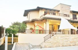 Luxury houses for sale in Italy. Exclusive residence in Art Nouveau with swimming pool and garden, Rimini, Italy