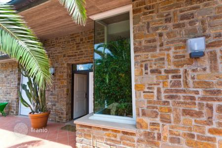 4 bedroom villas and houses by the sea to rent in Tuscany. Villa - Punta Ala, Tuscany, Italy