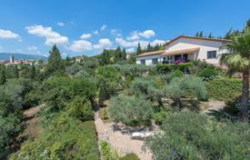 Luxury 4 bedroom houses for sale in Provence - Alpes - Cote d'Azur. Var Backcountry — Property with panoramic view