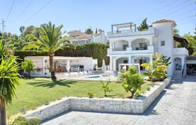 Luxury 4 bedroom houses for sale in Costa del Sol. Elegant Modern Villa, Nueva Andalucía, Marbella