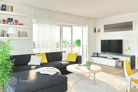 New homes for sale in Hajdu-Bihar. Apartment with a terrace, in an eco-friendly residence with a panoramic view and roof-top gardens, near the university, Debrecen, Hungary