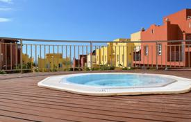 Apartments with pools for sale in Callao Salvaje. Apartment – Callao Salvaje, Canary Islands, Spain