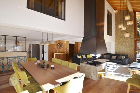 Luxury residential for sale in Meribel. Villa – Meribel, Auvergne-Rhône-Alpes, France