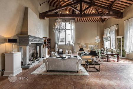 Luxury 3 bedroom apartments for sale in Tuscany. Apartment – Florence, Tuscany, Italy