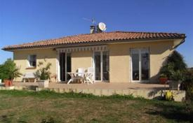 Property for sale in South - Pyrenees. Modern country house, unique panoramic position in the South