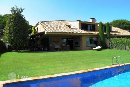 6 bedroom houses by the sea for sale in Sant Vicenç de Montalt. Villa – Sant Vicenç de Montalt, Catalonia, Spain