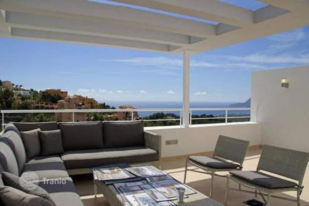 Residential for sale in Altea Hills. Modern-style townhouses featuring 3 bedrooms, 4 bathrooms and private pool in Altea