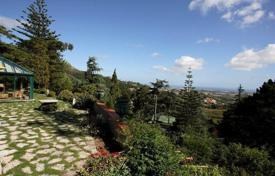 Luxury residential for sale in Alcabideche. Villa in the natural park of Sintra Cascais, Portugal