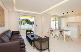 Luxury 3 bedroom apartments for sale in Cannes. Modern apartment with sea views in a residence with a concierge, Cannes, France