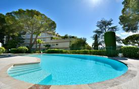 Residential for sale in Côte d'Azur (French Riviera). Mont Boron, apartment villa with terrace and garden in a residence with pool, tennis and guard