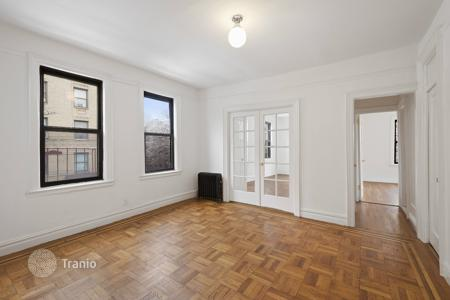 Residential to rent in Bronx. East 166th Street