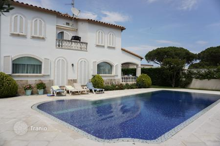 Luxury 5 bedroom houses for sale in Costa Brava. Villa – Castell Platja d'Aro, Catalonia, Spain