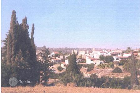 Land for sale in Maroni. Building Land
