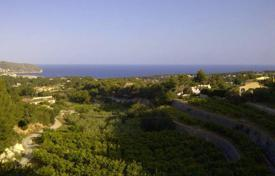 Cheap development land for sale in Benimeit. 800 m² plot with views over the Mediterranean sea and Moraira town in Benimeit, Moraira