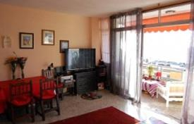 Coastal residential for sale in Tenerife. Furnished apartment with a terrace, in a residence with a swimming pool, at 100 m from the sea, Tenerife, Spain