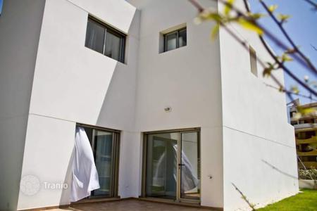Townhouses for sale in Costa Blanca. Townhouses of 3 bedrooms 2 minutes from Punta Prima Beach
