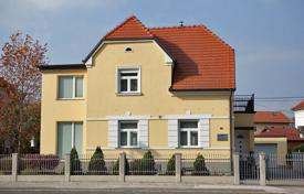3 bedroom houses for sale in Slovenia. The house is located near the center of Maribor city, in Tabor