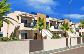 Coastal townhouses for sale in Costa Blanca. Terraced house – Torre de la Horadada, Valencia, Spain