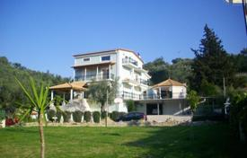 5 bedroom houses for sale in Zakinthos. Luxury villa of 470 sq m, in a very privileged and quiet location with great views and lots of space, just 1.5 km from the town