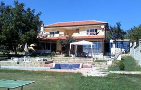 Houses with pools by the sea for sale in Bulgaria. Detached house – Varna, Bulgaria