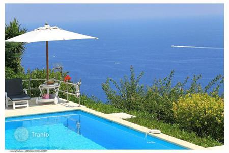 Coastal houses for sale in Beausoleil. Villa – Beausoleil, Côte d'Azur (French Riviera), France