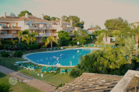 2 bedroom houses for sale in Andalusia. Duplex Penthouse for sale in Guadalmansa Playa, Estepona