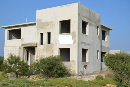 5 bedroom houses for sale in Famagusta. Custom Built Villa with Sea Views