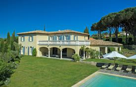 Villas and houses to rent in Saint-Tropez. Saint-Tropez — Villa close to the center