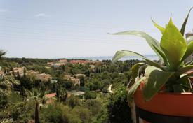 Townhouses for sale in Marbella. TOWNHOUSE SEA VIEWS MARBELLA HILL CLUB