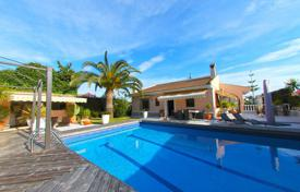 4 bedroom houses for sale in Costa Blanca. Villa – Torrevieja, Valencia, Spain