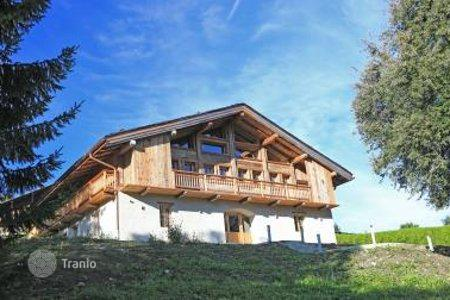 Houses with pools for sale in French Alps. Villa – Saint-Gervais-les-Bains, Auvergne-Rhône-Alpes, France
