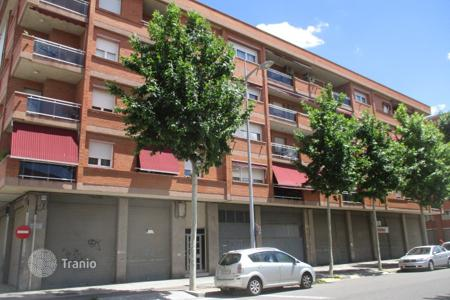 Cheap 4 bedroom apartments for sale in Catalonia. Apartment - Lerida, Catalonia, Spain