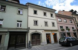 6 bedroom houses for sale in Central Europe. This is a very large town house in the centre of the historical town of Trzic. The house is 575 m² on three floors.