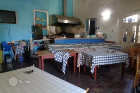 Supermarkets for sale in Aglantzia. 100m² Shop/Tavern in the heart of Aglantzia