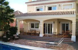 4 bedroom houses for sale in Malaga. Villa for sale in Guadalmina Alta, San Pedro de Alcantara