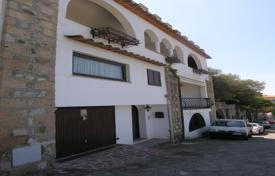 Property for sale in Campania. Three-storey house near the sea with a terrace and ocean views, the Riviera of San Montano, Italy