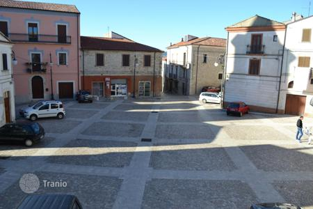 Cheap 2 bedroom houses for sale in Italy. Home to renovate in the center town with view on the main square