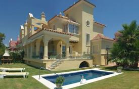 Elite townhouse on the beach in Puerto Banus, Andalusia, Spain for 1,950,000 €