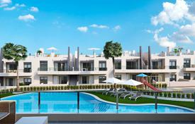 Cheap residential for sale in Mil Palmeras. 3 bedroom apartment with solarium and sea views, 400 meters from the beach in Las Mil Palmeras