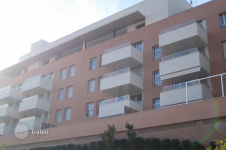 Cheap apartments with pools for sale in Lloret de Mar. One-bedroom apartment in a new complex with parking, garden and pool, Costa Brava, Lloret de Mar