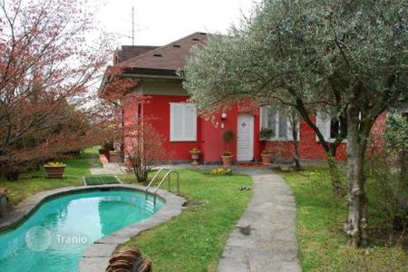 4 bedroom houses for sale in Piedmont. Villa - Nebbyuno, Piedmont, Italy